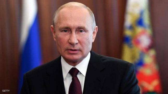 رسميا:بوتين يُعلن تسجيل أول لقاح ضد كورونا في العالم.