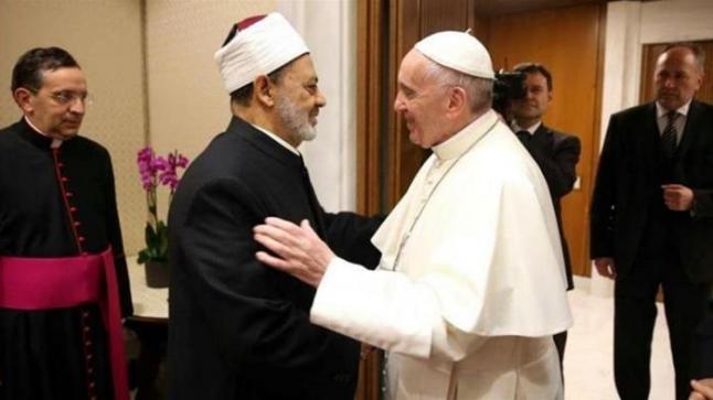 """ماقاله شيخ الأزهر: زيارة البابا فرنسيس إلى العراق """"تاريخية وشجاعة"""""""