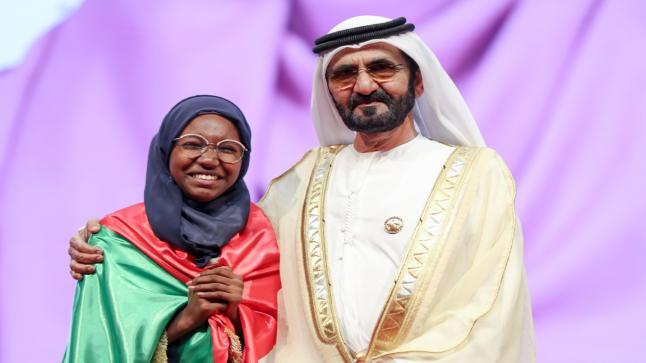 تتوج السودانية هديل أنور بلقب بطلة تحدي القراءة العربي توجت السودانية هديل أنور