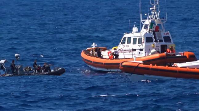 انتشال 24 جثة لمهاجرين قرب سواحل جزر الكناري