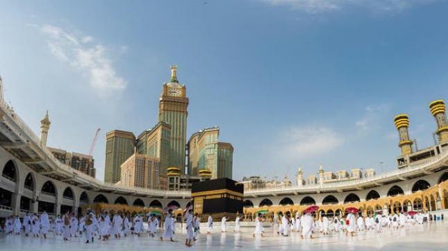 السماح بأداء مناسك العمرة والصلاة في المسجد خلال شهر رمضان