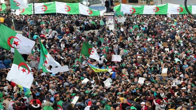 عودة الحراك الشعبي بكثافة الى شوارع المدن الجزائرية