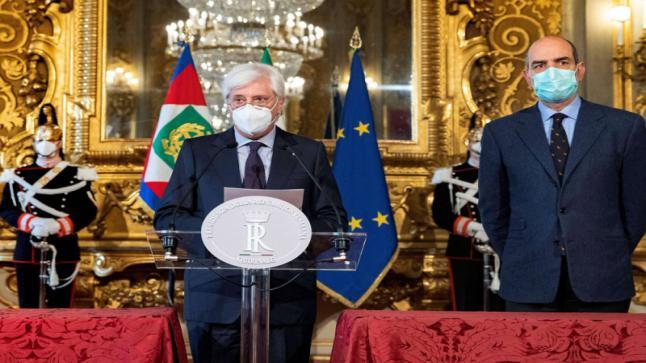 استقالة كونتي تغرق إيطاليا في أزمة سياسية جديدة